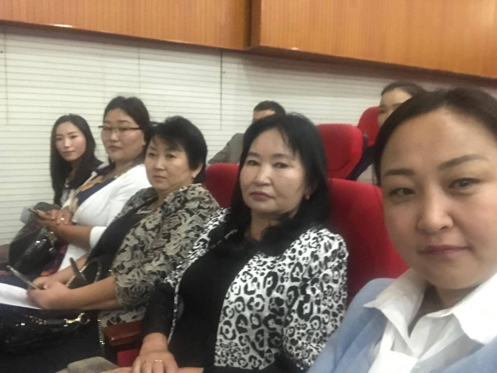 Монгол Улсын Үндсэн Хуульд оруулах нэмэлт, өөрчлөлтийн төслийг олон нийтээр хэлэлцүүлэх хэлэлцүүлэгт оролцов.